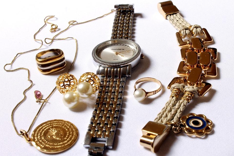 šperky, hodinky