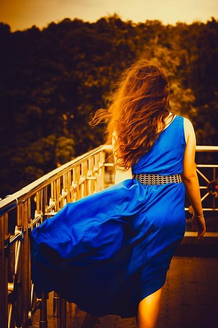 Atraktívne asymetrické šaty