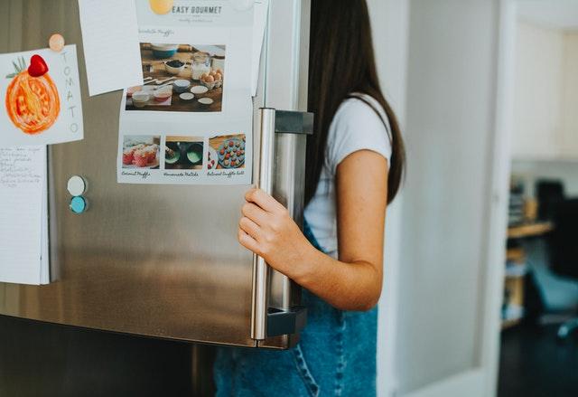 Nočné vyjedanie chladničky môže byť minulosťou